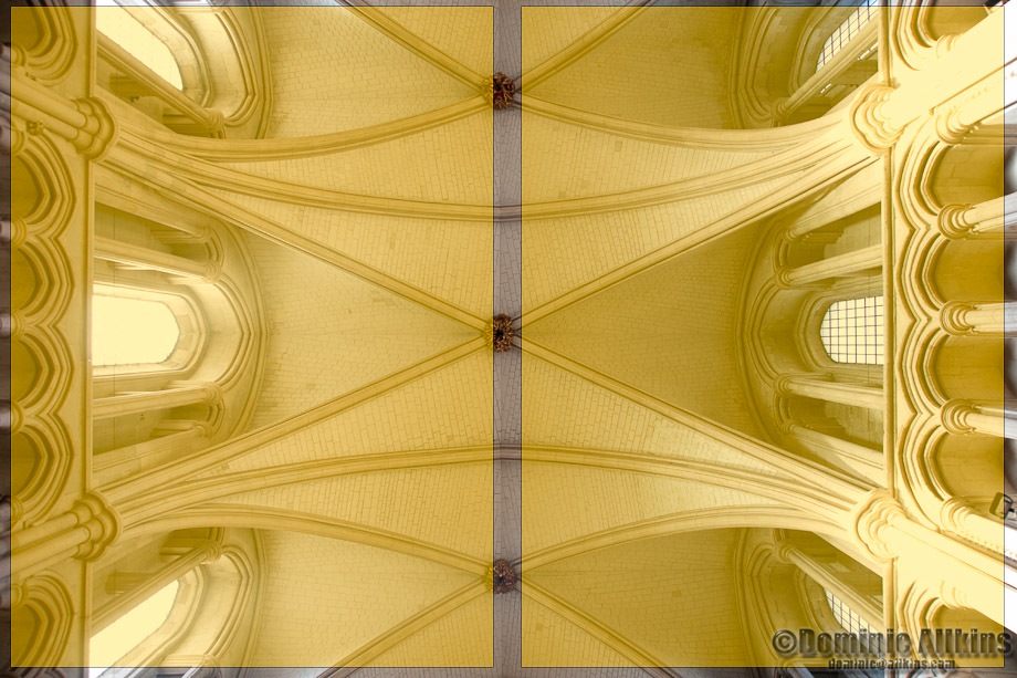 11.1b: Looking up at the ceiling of Southwark Cathedral (overlay)