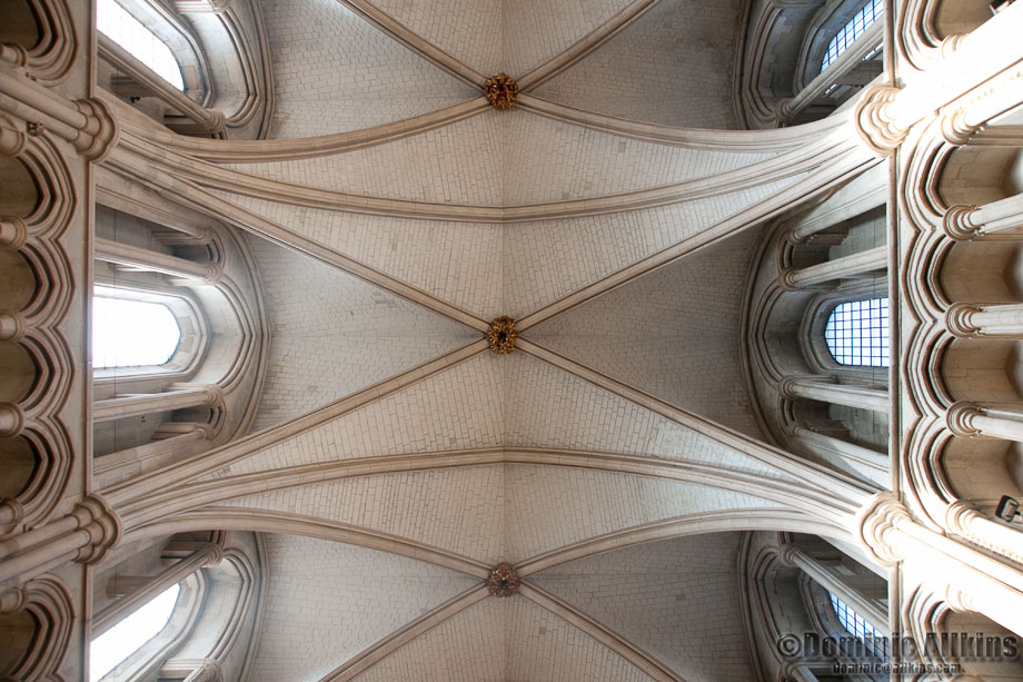 11.1a: Looking up at the ceiling of Southwark Cathedral
